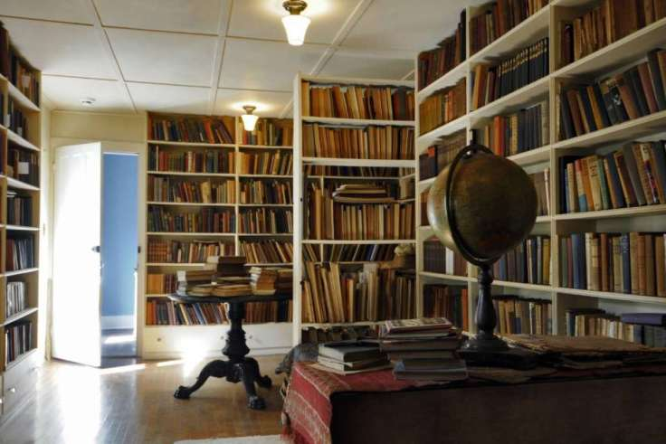 Edna St. Vincent Millay's library