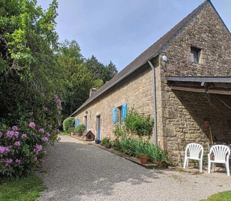 historic French hamlet for sale