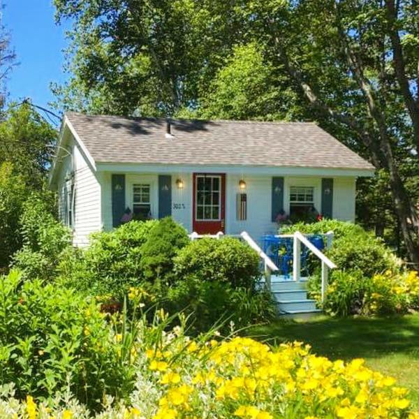 Post Office Cottage on Permaquid Point in Maine