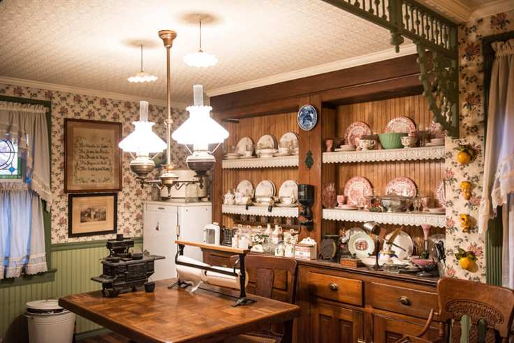 authentic-Victorian-kitchen