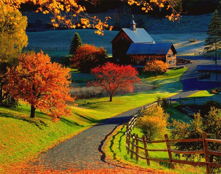 Sleepy-Hollow-Farm-in-autumn
