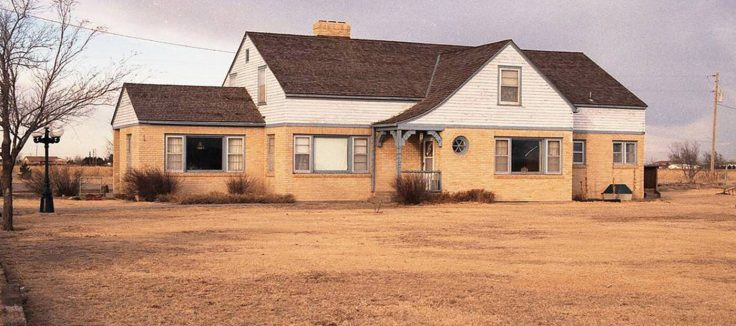 In-Cold-Blood-Clutter-murder-house-in-Holcomb-Kansas