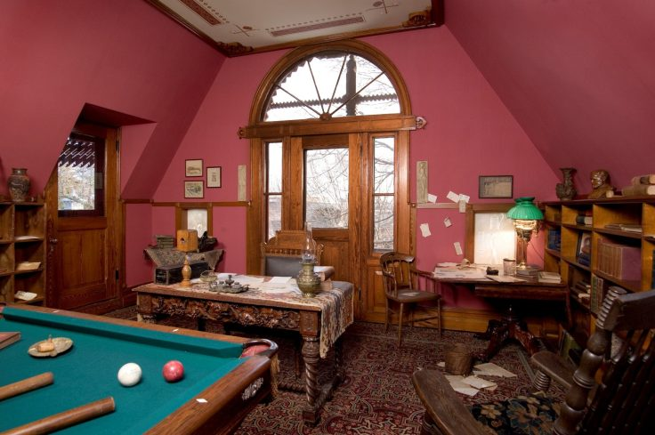 inside the Mark Twain house