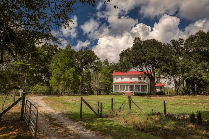 flannery-oconnors-andalusia-farm