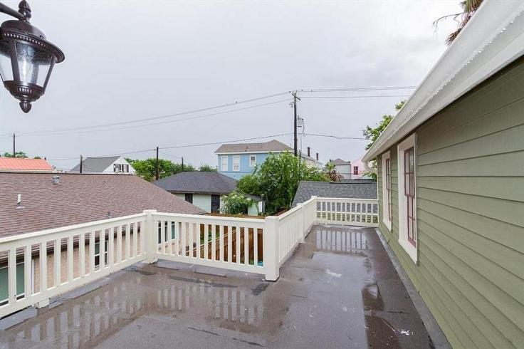 old house that survived the 1900 Galveston Storm