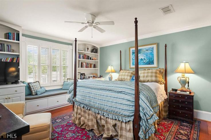 Charming Georgia cottage for sale