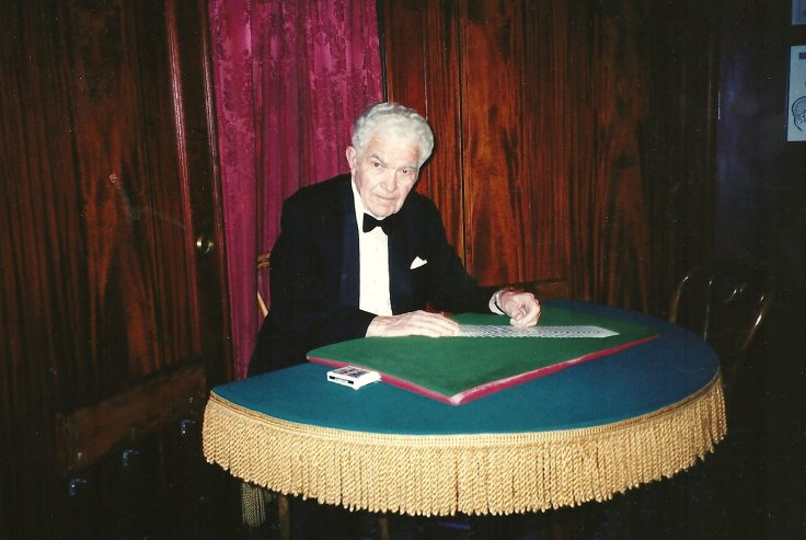 Magician Jerry Andrus