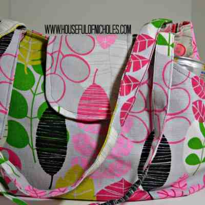 Thread Filled Tuesdays – Lots of Pockets Tote