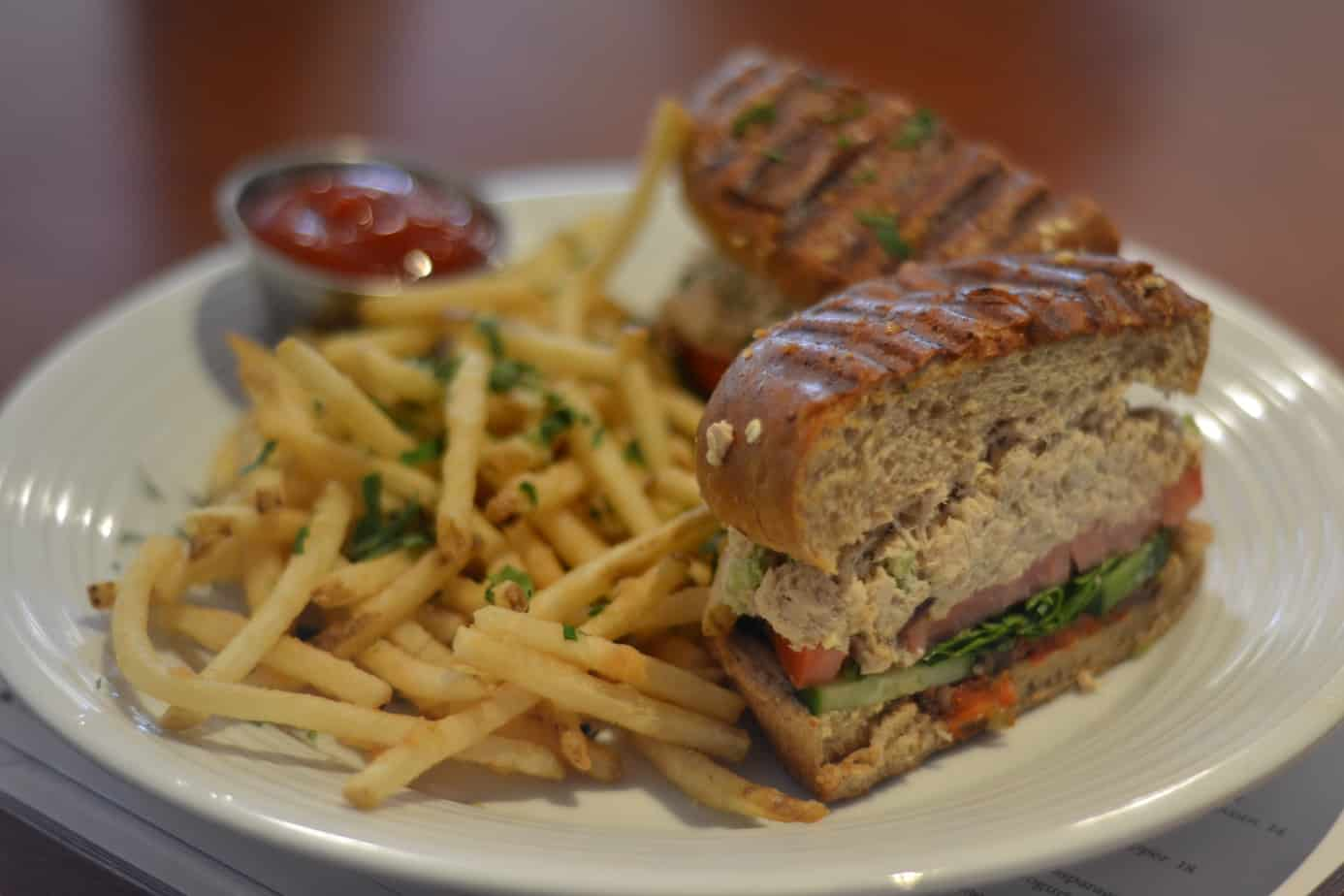 Pinstripes provides GREAT food for a perfect price point.