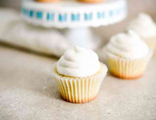 The Best Vanilla Cupcakes