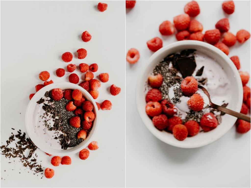 raspberry chia seed chocolate smoothie bowl