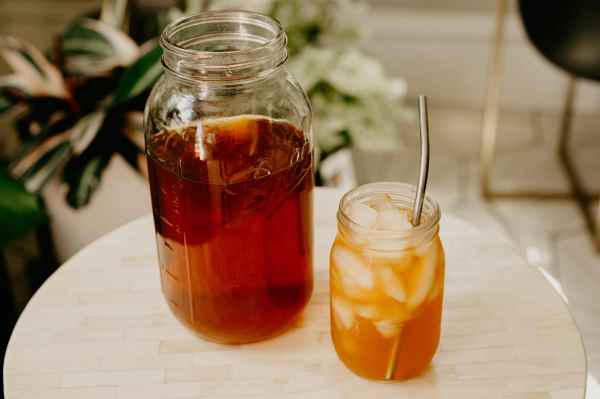 homemade lemon sun tea