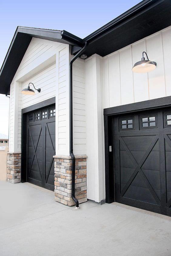 45 Beautiful Modern Farmhouse Exterior Ideas - House Good on Garage Door Painting Ideas  id=39685