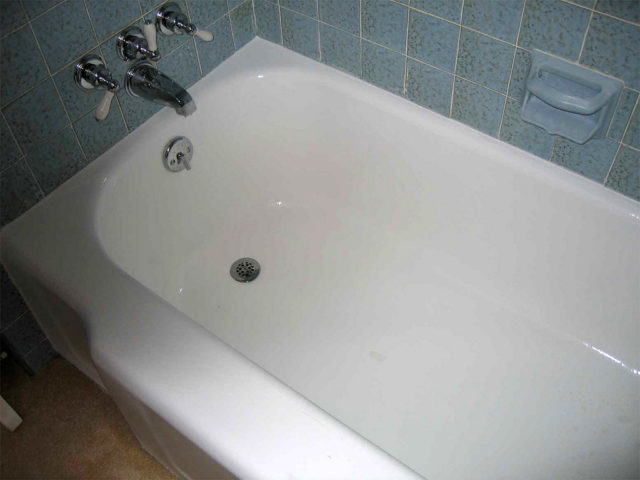 DIY Fiberglass Tub Repair Tips For Fixing A Scratched Or Cracked BathtubShower The Household