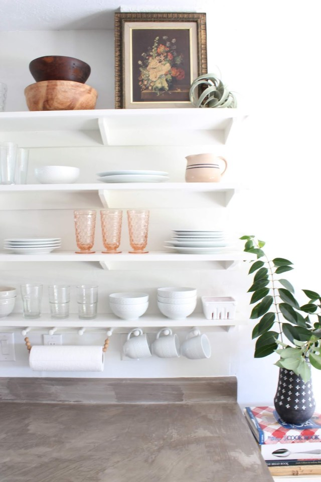 budget friendly kitchen makeover: DIY open shelving