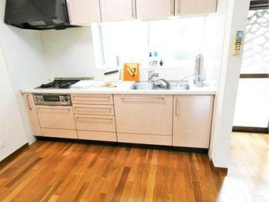 Japan real estate under 10 million yen Tama Region house kitchen