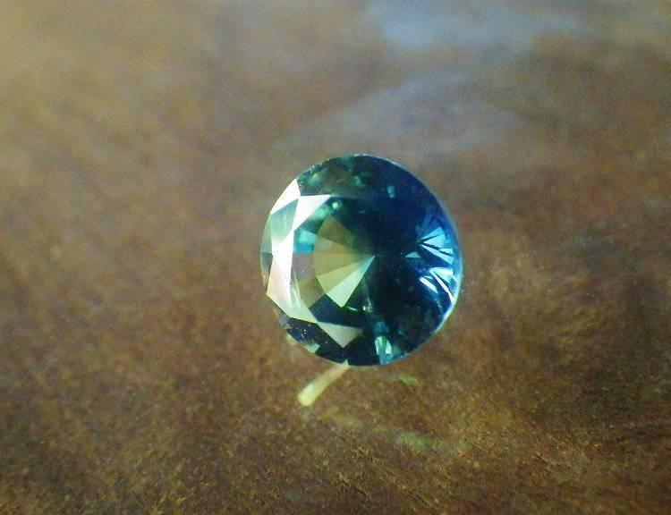 bi color sapphire 1.35ct_madagascar_04
