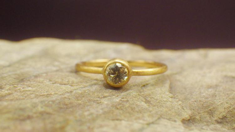 White Sapphire x18K Ring_1