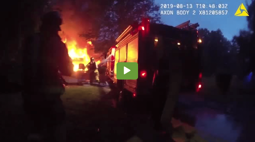 Amazing Police Officer Takes Action To Save People From A House Fire