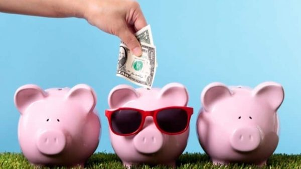 10 Ways To Save Money This Summer