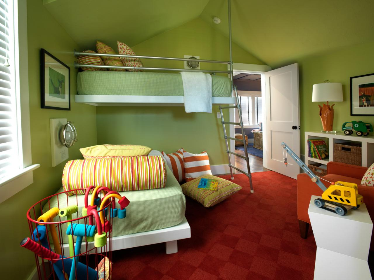 20 Bedroom Color Ideas to Make Your Room Awesome - Houseminds on Bed Ideas For Small Rooms  id=12315