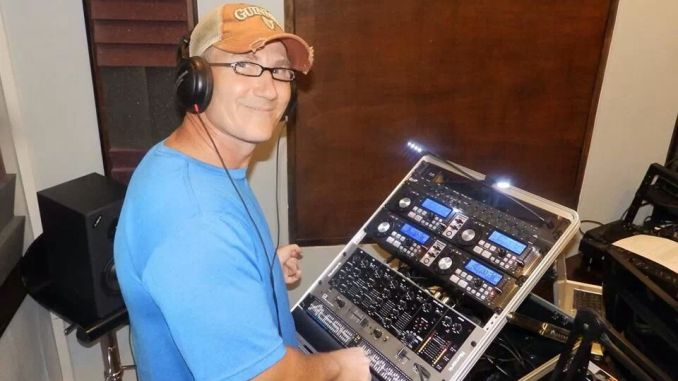 DJ Knucklehead