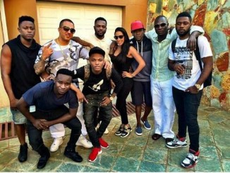 r2bees-and-wizkid-in-a-group-pic