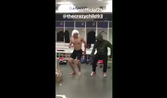 WATCH PSG FOOTBALL STARS EDINSON CAVANI & SERGE AURIER DANCE TO DOTMANS' AKUBE