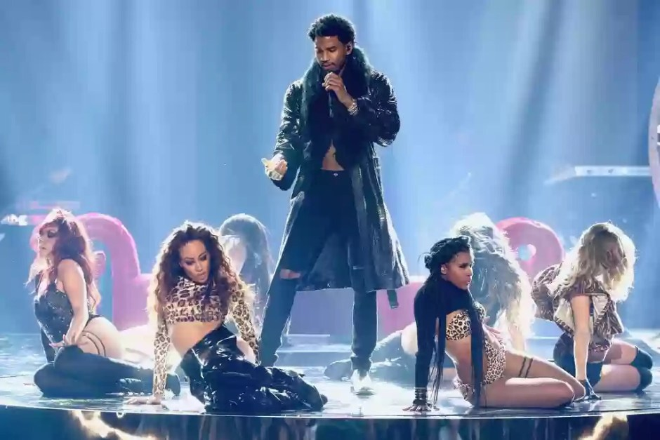"Trey Songz Performs ""Nobody Else But You"" & ""Animal"" at BET Awards 2017"