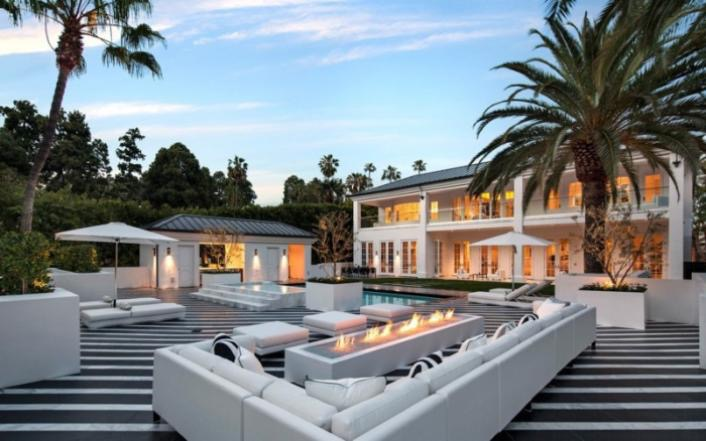 FLOYD MAYWEATHER BUYS $26 MILLION DOLLAR BEVERLY HILLS MANSION [Photos]