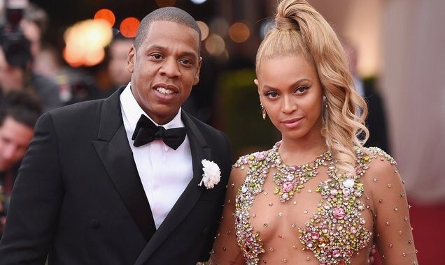 JAY-Z & Beyonce Dressed Up as Lil' Kim & Notorious B.I.G. for Halloween