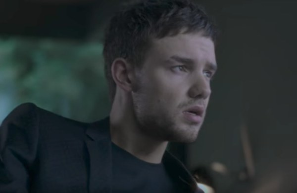 Liam Payne – Bedroom Floor video