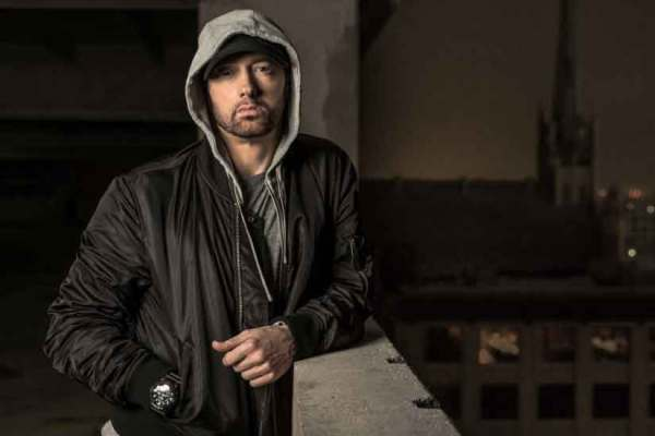 "Eminem Teased Upcoming Video For Beyonce-collaboration ""Walk On Water"""