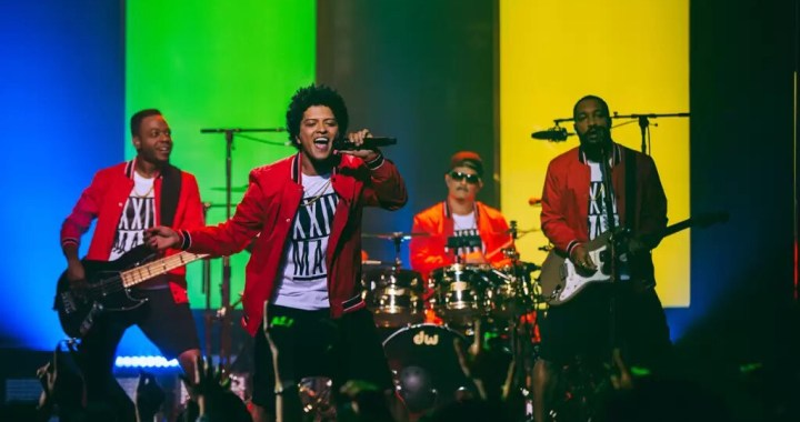 "Bruno Mars Performs ""24K Magic Live at the Apollo"" Special"