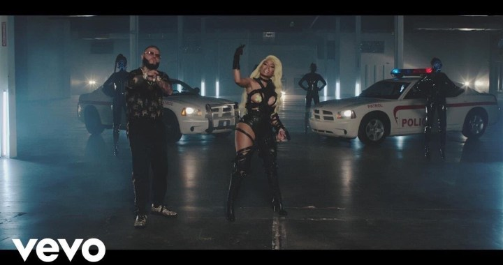 Farruko, Nicki Minaj, Travis Scott – Krippy Kush (Remix) ft. Bad Bunny, Rvssian (Video)