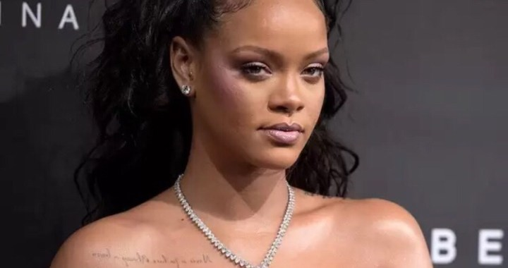 Rihanna Replies Snapchat On Insensitive Ad