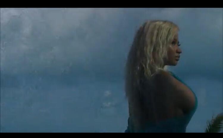Nicki Minaj - Bed (Video) ft. Ariana Grande