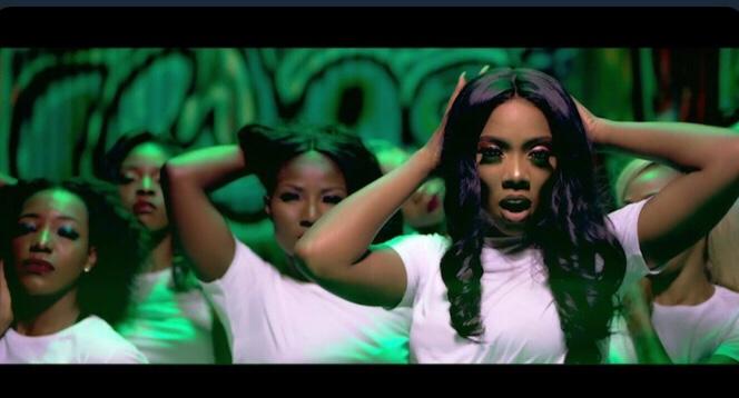 Tiwa Savage - Tiwa's Vibe (Video)