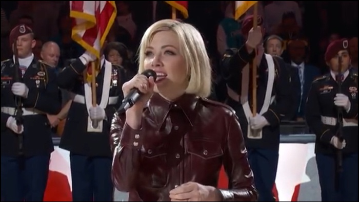 Carly Rae Jepsen sing the Canadian National Anthem at the 2019 All Star Game