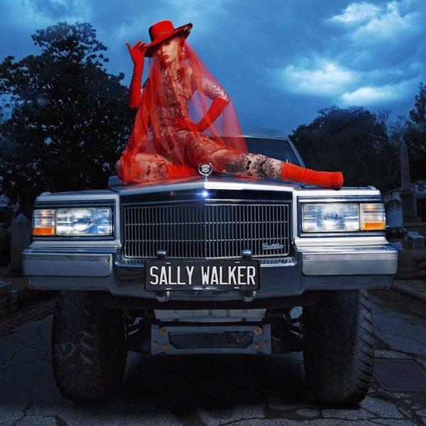 Iggy Azalea - Sally Walker (video)