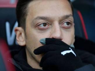 Mesut Ozil To Quit Arsenal