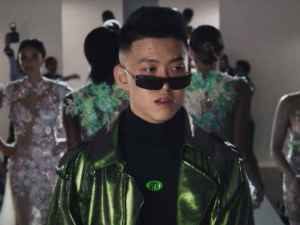 Rich Brian - 100 Degrees video