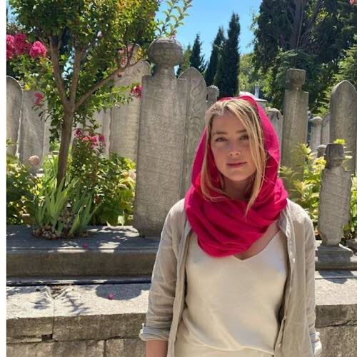 Amber Heard Hit Back After Being Slammed For An Outfit She Wore During A Recent Trip To A Mosque In Istanbul