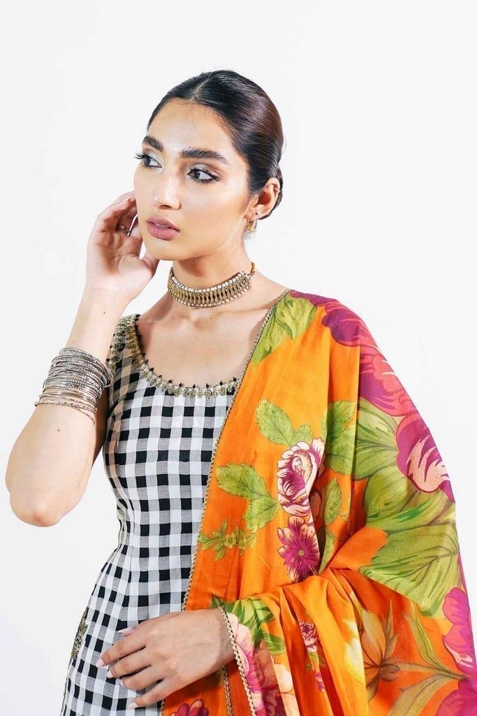 ZARA SHAHJAHAN   Embroidered Lawn Suits   MANREET-B