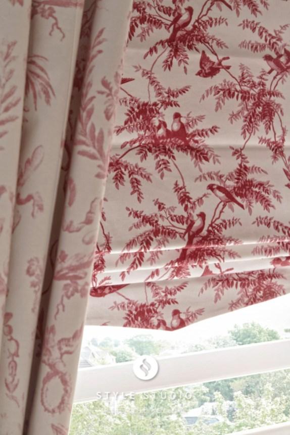 Mertan-Rose-Curtain_Piamento-Rose-Roman