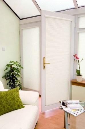 intu_door