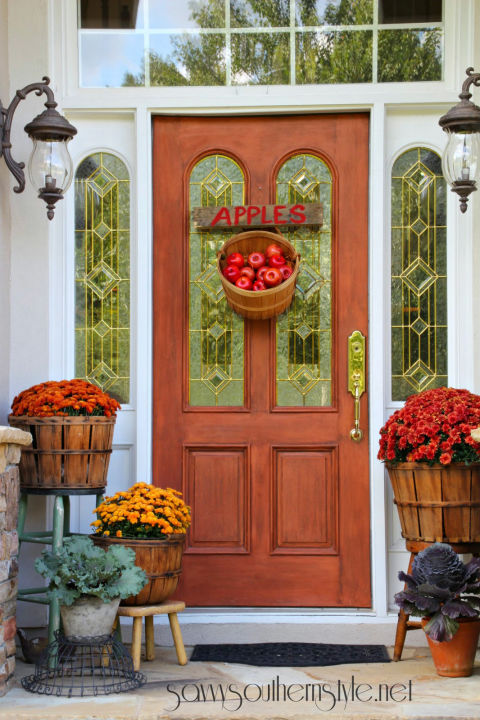 Using Apples Is So Cute For A Front Porch Fall 1