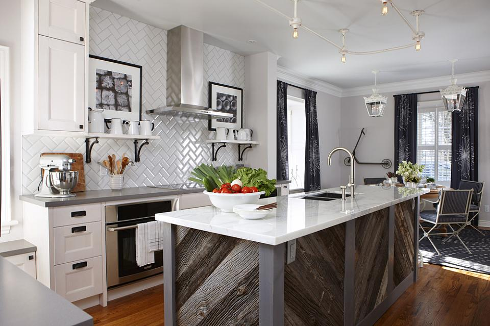Modern Farmhouse Kitchens - House of Hargrove on Modern Kitchens  id=96501