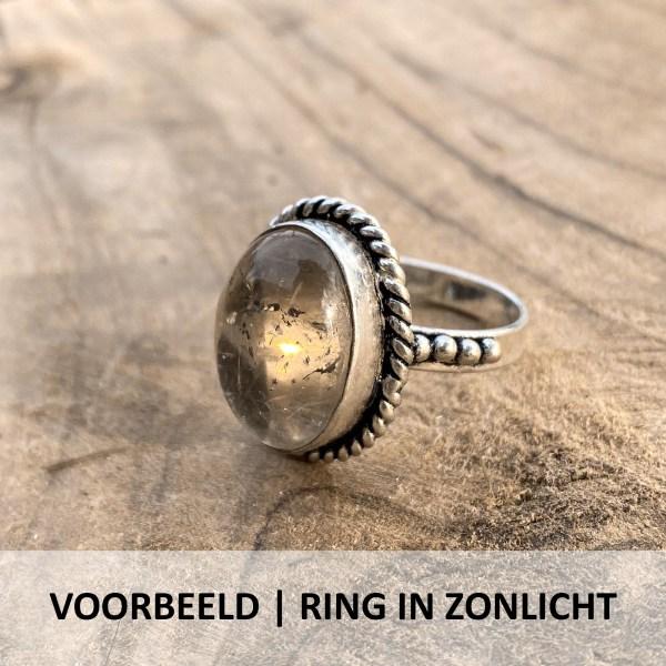 Voorbeeld foto rutielkwarts ring druppel in zonlicht zij-aanzicht sterling 925 zilver