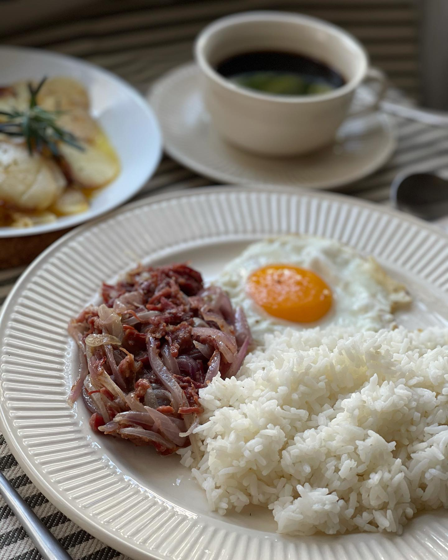lassic Breakfast - Coffee, Egg and Corned Beef Onion Overload - House of Hazelknots